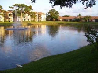 632 Sea Pine Way, Greenacres, FL 33415