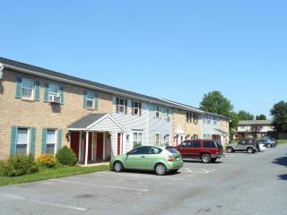 219 Miller Rd #H, Akron, PA 17501