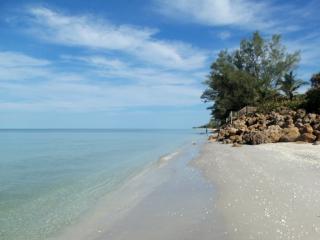 5050 N Beach Rd #102, Englewood, FL 34223