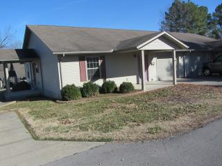 207 Ruth Ave, Scott City, MO 63780