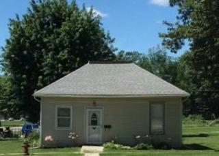 1403 Fulton St, Falls City, NE 68355
