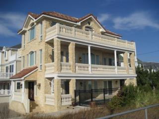119 S Sacramento Ave, Ventnor City, NJ 08406