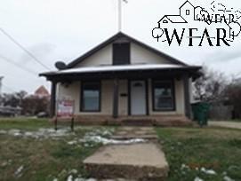 211 W Wichita St, Henrietta, TX 76365