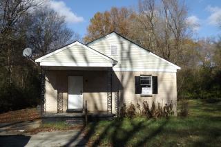 2384 Hawkins Mill Rd, Memphis, TN 38127