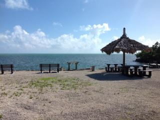 1313 Mockingbird Rd, Key Largo, FL 33037