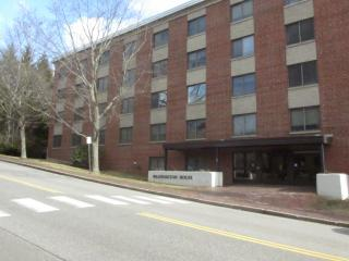 809 Washington St #411, Bath, ME 04530