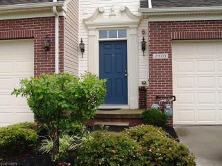 2920 Cambridge Circle, Willoughby Hills OH