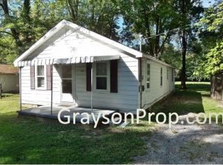 242 Patterson Rd, Columbus, IN 47203