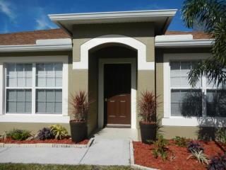 543 Northwest Lincoln Avenue, Port Saint Lucie FL