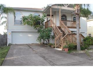 3128 Phoenix Ave, Oldsmar, FL 34677