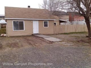 873 SW 2nd St, Madras, OR 97741