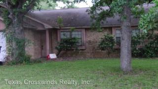 3104 Forestwood Dr, Bryan, TX 77801