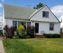 390 High Tee St, Willowick, OH 44095