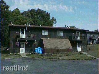 452 N 30th St, Galesburg, MI 49053