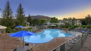 29128 Oak Creek Ln, Agoura Hills, CA 91301