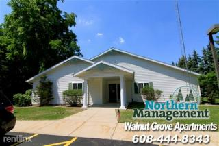 1103 Whitewater Ave, Fort Atkinson, WI 53538