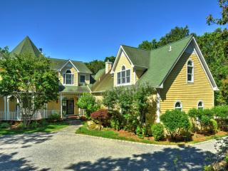 Address Not Disclosed, East Hampton, NY 11937