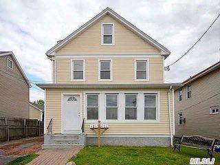 6 Chadwick St, Glen Cove, NY 11542
