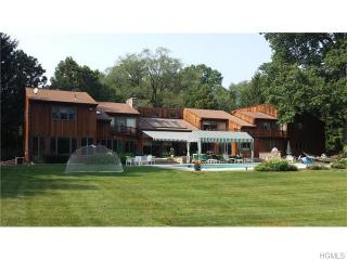 10 Beverly Rd, Purchase, NY 10577