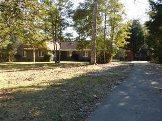 140 Rock Creek Dr, New Bern, NC 28562