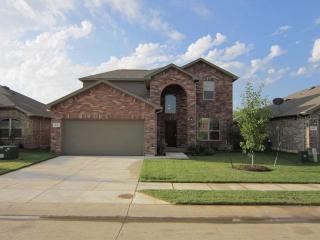 9108 Holliday Ln, Cross Roads, TX 76227