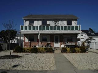 2120 Simpson Ave, Ocean City, NJ 08226