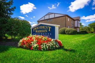 31597 Harlo Dr, Madison Heights, MI 48071
