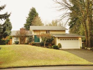 6728 128th Ave SE, Bellevue, WA 98006
