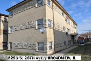 2117 S 25th Ave, Broadview, IL 60155