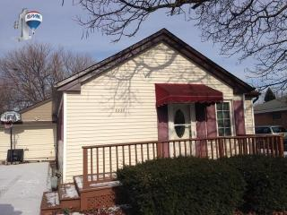 5922 W 91st St, Oak Lawn, IL 60453