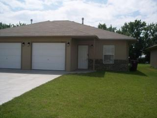812 Deerfield Rd #1, McPherson, KS 67460