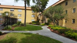 5870 56th Ave N #A215, Kenneth City, FL 33709