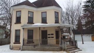 313 E Washington St #3, Ionia, MI 48846