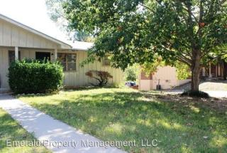 822 Dondee Dr, Manhattan, KS 66502
