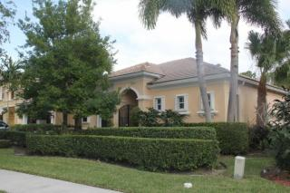 104 Magnolia Way, Tequesta, FL 33469
