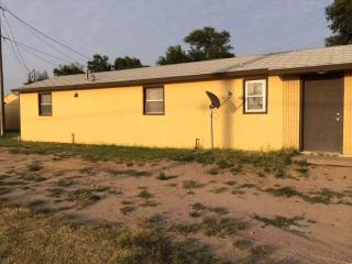 210 S Farmland Rd, Garden City, KS 67846