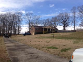 57 County Rd #419, Killen, AL 35645