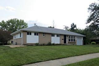 395 Kingman Ln, Hoffman Estates, IL 60169