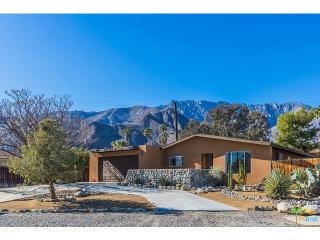2733 North Cardillo Avenue, Palm Springs CA