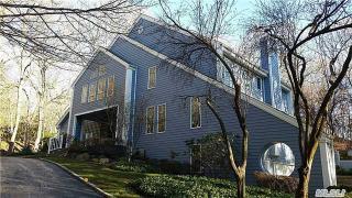 1 Uphill Ln, Woodbury, NY 11797