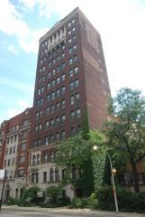 431 W Roscoe St #8A, Chicago, IL 60657