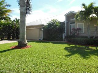 8727 Lakefront Court, Fort Myers FL