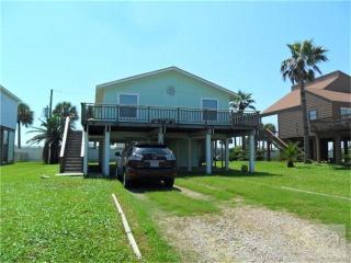 16926 Beachcomber Dr, Jamaica Beach, TX 77554