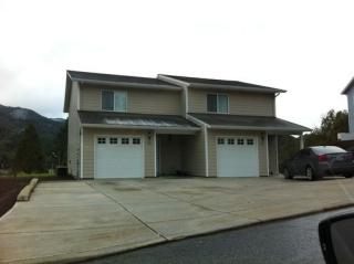390 Maylea Pl, Canyonville, OR 97417