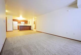 2821 5th St NW, Minot, ND 58703