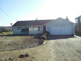 1709 NW Canal St, Waldport, OR 97394