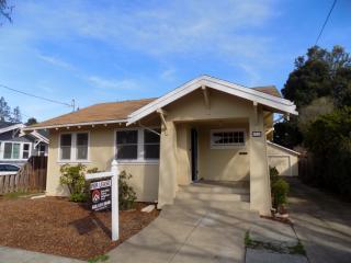 1037 High St, Palo Alto, CA 94301