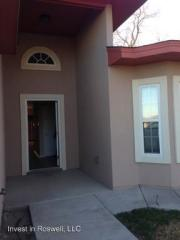 13 Fairway Dr, Roswell, NM 88201
