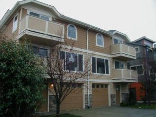 2344 44th Ave SW #A, Seattle, WA 98116