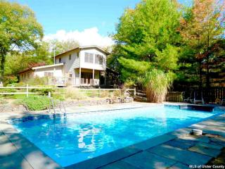 107 Boggs Hill Ext, Woodstock NY